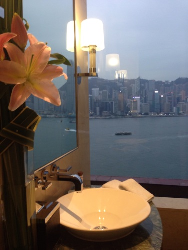IC HK Presidential Suite Loo Copyright Shelagh Donnelly