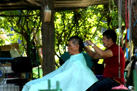 Lumpini Park Barber 8641-2016 Copyright Shelagh Donnelly