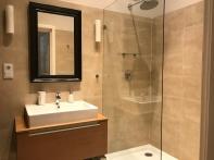 Kapital Inn Bathroom 17-6383 Kapital Inn Kitchen 17-6385 Copyright Shelagh Donnelly
