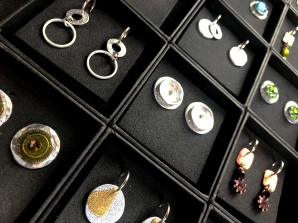 17_8472 Lucas Blaton Belgium - earrings Copyright Shelagh Donnelly